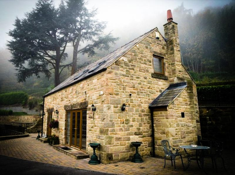 two owls lodge holiday cottage derbyshire